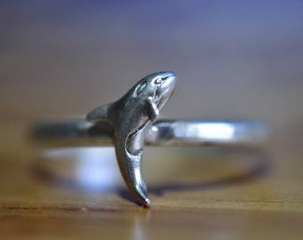 Breaching Orca Ring, Sterling Silver Engraved Killer Whale Jewelry, Personalized Sea Animal Jewelry, Customized Band with Engraving