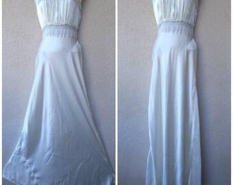 1940s Bias Cut Nightgown. Silk NIGHTGOWN. Bias Cut Gown. White Nightgown. Long Nightgown. 1930s Bias Cut Nightgown. Bridal White Nightgown