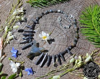 Labradorite wolf necklace, dark mori raw crystal necklace primitive werewolf jewelry, raw quartz strega witch necklace, fenrir pagan jewelry
