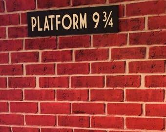 Platform 9 3/4 - Hogwarts Express - Harry Potter - Wooden Sign