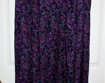 Vintage Ladies Purple Floral Print Skirt by Pendleton Size 16 Only 12 USD