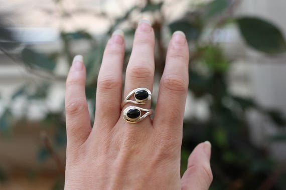 ADJUSTABLE ONYX RING - Black Onyx Ring - Sterling Silver Ring - Healing Crystal - Birth Stone - Gift - One Size - Gemstone Ring - Crystal