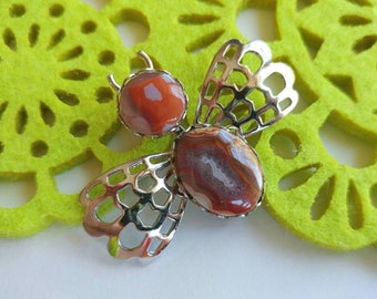 Sweet Vintage Natural Gemstone Bee Brooch- Garden Insect Nature Agate Earthy Orange Brown Red Crystal Hippie Boho Silver Tone Figural
