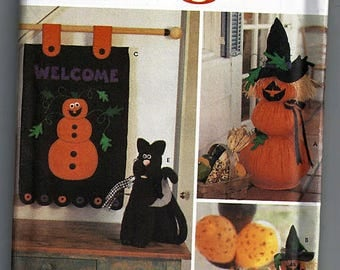 Felt Halloween Decorations / Original Simplicty Crafts Uncut Sewing Pattern 5892