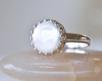 Size 7 Pearl Ring  |  10 mm Coin Pearl  | Silver Crown Setting  |   Size 8 Flat Pearl Ring