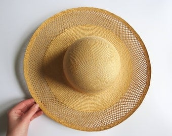 Vintage Retro Straw Hat // Bohemian Woven Straw Summer Hat Lightweight Wall Hanging Made in China Boho Style Fashion Accessory Summer Sun
