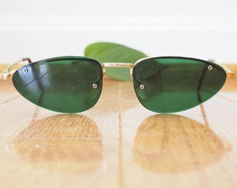 Vintage Cat Eye Sunglasses 1970's Made In Taiwan Great Shape And Color Cheap