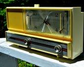 PASTEL YELLOW Mid Century Retro 1964 Silvertone Model 4044 AM Clock Radio Totally Restored!