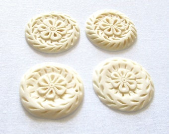 White Bone Flower Pendants, Carved Bone Daisy, Floral Medallions, Tribal Nature Coin, Flat Beige Disc Pendant, 2 Pcs 06202
