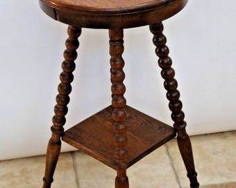 Vintage Victorian style Round Oak Plant Stand Side Table Secondary Bottom Shelf Insured Nationwide shipping available call for best rate
