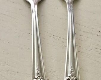 Set of 2 vintage silverplate salad/dessert forks in Magnolia pattern