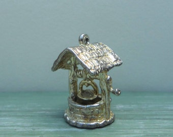 Vintage Silver Charm, Miniature Wishing Well Pendant, Fairy Garden