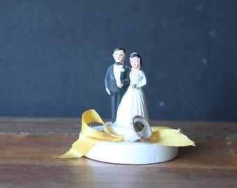 Small Vintage Brunette Bride and Groom, Wedding Cake Topper