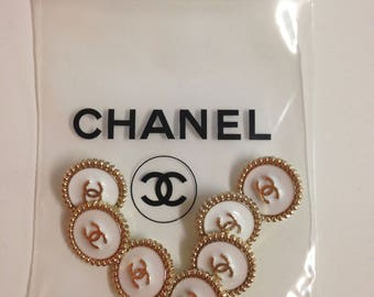 Designer  buttons white/gold , 20 mm