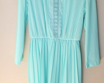 vintage turquoise green accordian pleat embroidered secretary dress