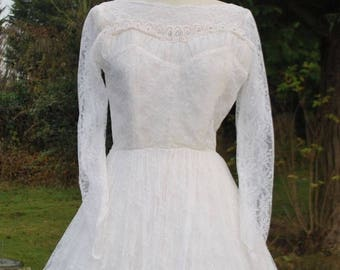 1950's full skirted LACE WEDDING DRESS
