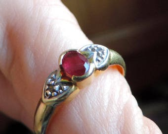 Vintage ring made of yellow 18 k gold with Ruby and two small diamonds. #GOLRB1