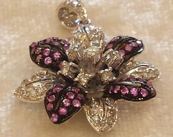 18 K white gold diamond and pink sapphire flower pendant