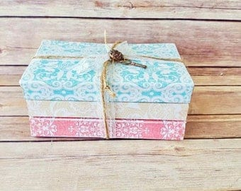 Decorative Book Bundle | Rustic Book Bundle | Farmhouse Book Bundle | Up-Cycled Books | Rustic Wedding Decorations | Vintage Chic Home Decor