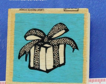 Present Gift Box and Bow Rubber Stamp by VAP! Scrap for your Craft Ellen Veber Village Arts Press