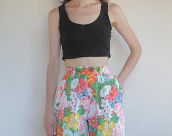 80's Kenzo floral high waisted shorts, small size