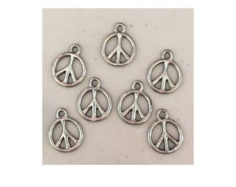 Peace sign CHARM (7) charms antique pewter - 7 charms per pack peace sign