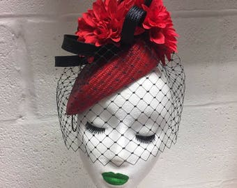 SAMPLE Red straw beret with navy veil