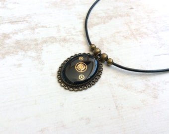 Black Steampunk Necklace. Steampunk Bronze Necklace. Black Necklace. Resin Necklace. Victorian Necklace. Vintage Necklace. Leather Necklace