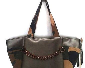 shoulder tote bag khaki camouflage military leatherette chain bronze copper