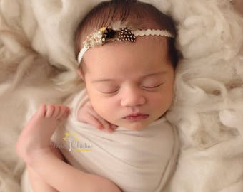 Dried flowers and feathers headband. Feather headband. Newborn headback. Newborn photo prop.