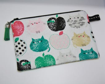 Wallet zipped Apple cat patterned cotton.