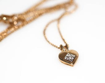 Amway Diamond Chip Necklace