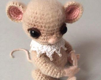 Amigurumi crohet little mouse toy