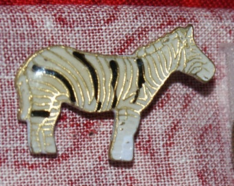 vintage zebra hat pin with pin back - 427 a
