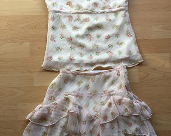 Mary Kate & Ashley sleeveless flutter tank and skirt set, 2 piece set in size Large (10/12) - miniature floral - floral print - twin set