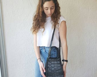 Vintage 1990s bag • Vintage sportsgirl bag• black leather purse • Black vegan leather bag • 1990s crossbody bag • crocodile crossbosy bag •