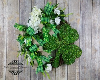 St. Patrick's Day Wreaths for Front Door, Shamrock Wreath, Green and White Wreath, Irish Wreath, Large St. Patrick's Day Wreath