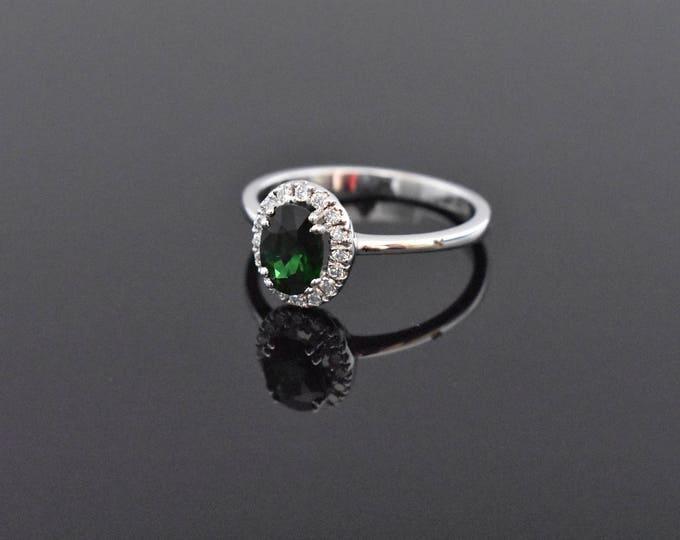 18K White Gold Green Garnet and Diamond RIng