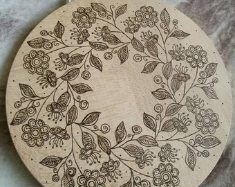 Burnt cutting board for contact with food. 11cm
