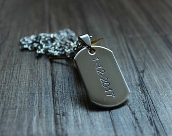 Custom dog tag necklace // boyfriend necklace with date // date necklace / Bar necklace / Custom necklace // custom man necklace // man gift