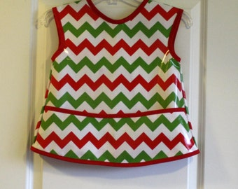 CLEARANCE 50% OFF Kids 6/7 Art Smock Christmas Apron in Red White and Green Chevrons