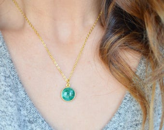 Emerald Green Round Faceted Pendant Necklace |  May Birthstone Necklace