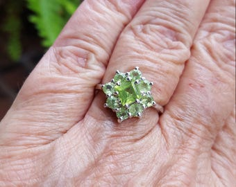 peridot ring size 8 1970's 3ct genuine natural peridot princess cut and round cut flower estate vintage sterling ring