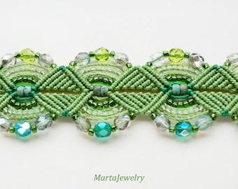 Green macrame bracelet, beaded, micro-macrame, beadwork, beadwoven, bohemian, boho chic, gypsy queen, nature, knots, cuff, gift for her