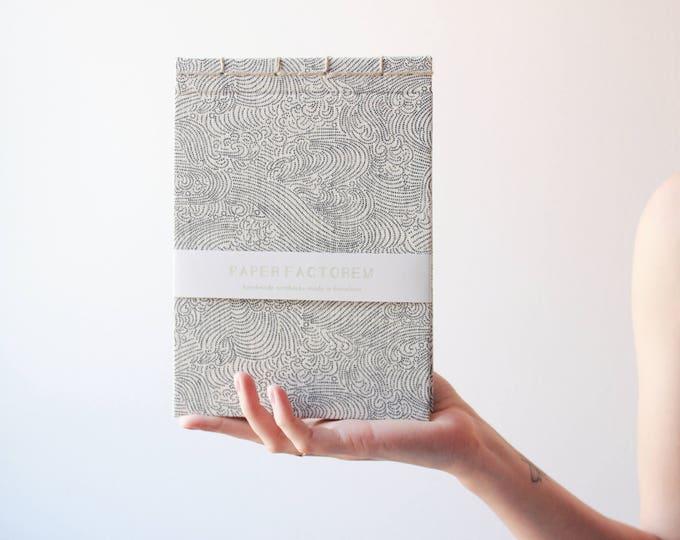 Handmade notebook, japanese bookbinding, minimal notebook, elegant notebook, made in barcelona, traditional japanese pattern notebook