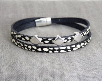 Wrap Bracelet Leather-black & white-Zamak-magnetic closure-gift-