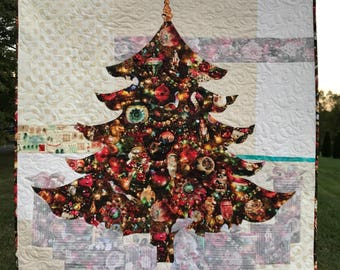JOY / Christmas Tree Quilt / Quilted Wall Hanging / Pattern / #usebothsides / Quilt Patterns / Christmas Decor / Easy Quilt Pattern / Art