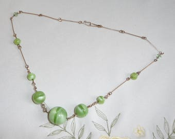 A Very Pretty Vintage Art Deco Czech Banded Satin Green Glass Linked Bead Necklace