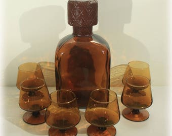 Amber Glass Decanter with Six Cordial Glasses, Mid Century Barware