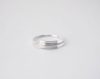 HELA - Sterling silver minimalist ring.